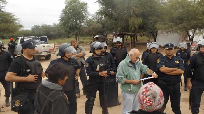 Repudiamos violento desalojo en Añatuya